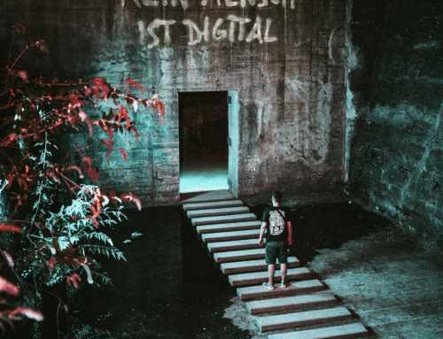 Kein Mensch ist Digital